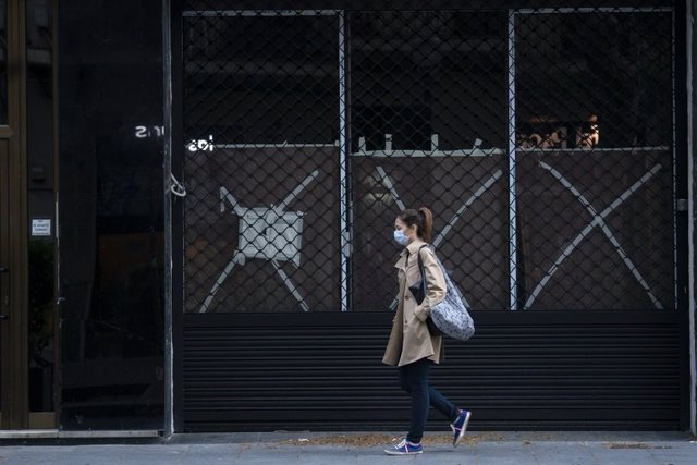 Barcelona invertirà 16 milions a comprar locals buits per llogar-los i reactivar-los.