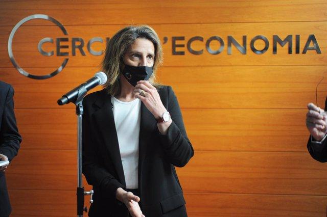 La vicepresidenta cuarta y ministra para la Transición Ecológica del Gobierno, Teresa Ribera interviene en la presentación del documento 'Green Deal: Retos y oportunidades en la transición hacia un modelo socioeconómico sostenible' del Cercle d'Economia,