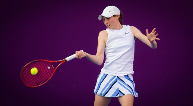 Archivo - Cristina Bucsa of Spain in action during the second qualifications round of the 2021 Qatar Total Open WTA 500 tournament against Barbora Krejcikova of the Czech Republic