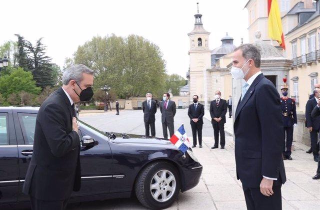 Encuentro del Rey con el presidente de la República Dominicana, Luis Rodolfo Abinader Corona, con motivo de su visita a España en el marco de la XXVII Cumbre Iberoamericana.