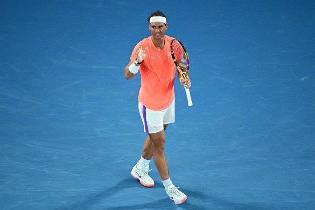 Archivo - Rafael Nadal durante un partido en el Abierto de Australia 2021