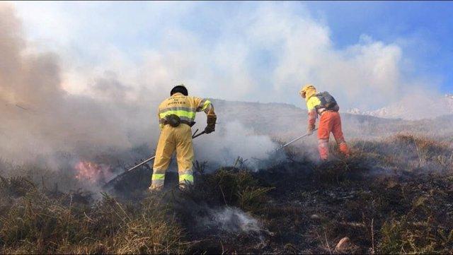 Extinción de incendios forestales en Cantabria