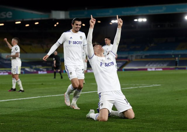 19 April 2021, United Kingdom, Leeds: Leeds United's Diego Llorente celebrates scoring his side's first goal during the English Premier League soccer match between Leeds United and Liverpool at Elland Road. Photo: Lee Smith/PA Wire/dpa