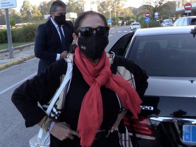 Isabel Pantoja ha viajado esta mañana a Madrid para comenzar la grabación de su nuevo programa