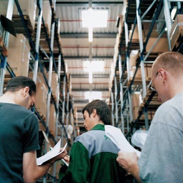 DEKRA ofrece formación en estanterías metálicas