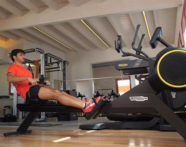 Ferrari y Carlos Sainz preparan el Mundial de fórmula 1 con Technogym.