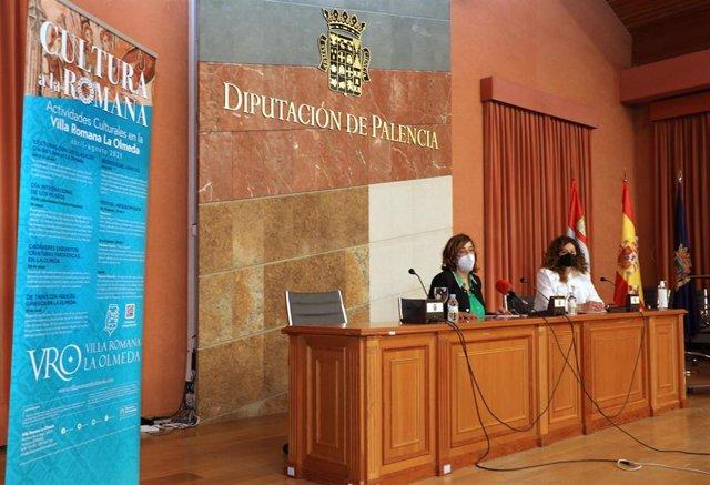 Armisén (I) y Valbuena (D) presentan la programación de 'Cultura a la romana'.