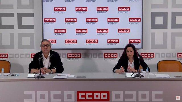 El secretario de Empleo, Política Institucional y Diálogo Social de Castilla y León, Saturnino Fernández, y la ténica Beatriz Sanz durante la presentación del estudio sobre el mercado laboral en 2020.