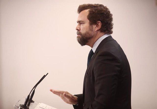 El portavoz de Vox en el Congreso, Iván Espinosa de los Monteros, interviene en una rueda de prensa