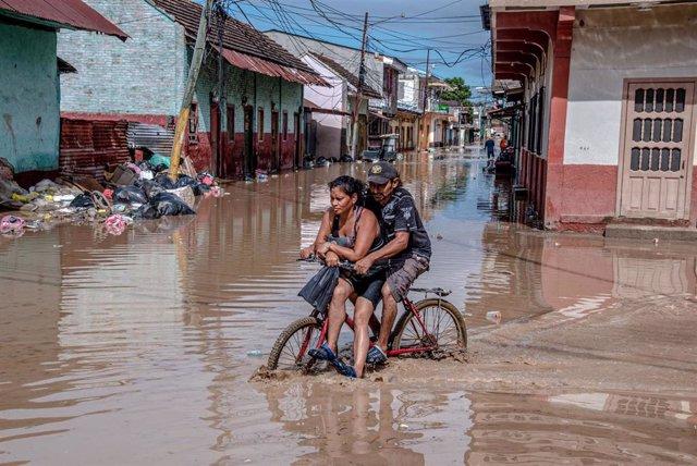 Archivo - Inundaciones tras el paso de los huracanes 'Eta' e 'Iota' por Honduras.
