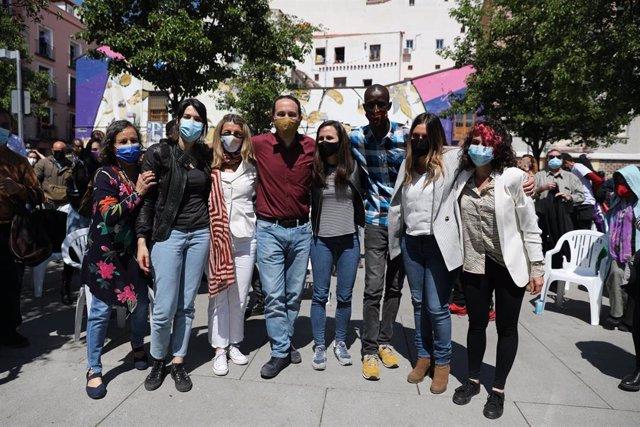 (I-D) La 'número 2' de Unidas Podemos para las elecciones a la Asamblea de Madrid, Isabel Serra; la vicepresidenta tercera y ministra de Trabajo, Yolanda Díaz; el candidato de Unidas Podemos a la Presidencia de la Comunidad de Madrid, Pablo Iglesias; la m