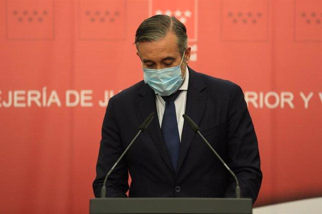 Archivo - El secretario de Justicia e Interior del PP y consejero de Justicia, Interior y Víctimas de la Comunidad de Madrid, Enrique López. En Madrid (España), a 10 de febrero de 2021.