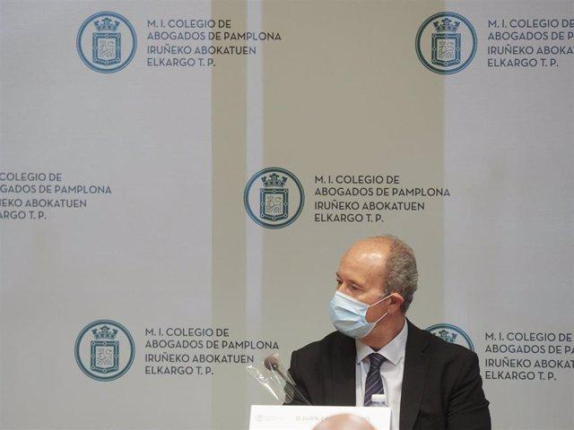 Juan Carlos Campo participa en un acto del Colegio de Abogados de Pamplona