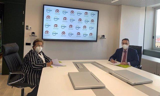 Firma del acuerdo entre Enagás y URV