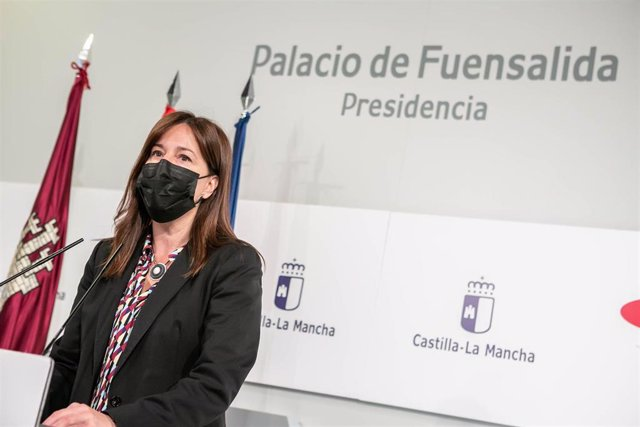 La consejera de Igualdad y portavoz del Gobierno regional, Blanca Fernández, comparece en rueda de prensa en el Palacio de Fuensalida, para informar sobre los acuerdos del Consejo de Gobierno.