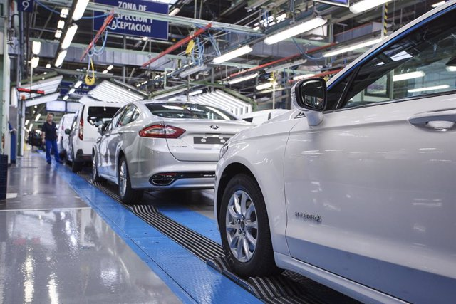 Archivo - Producción en Ford Almussafes (Valencia)