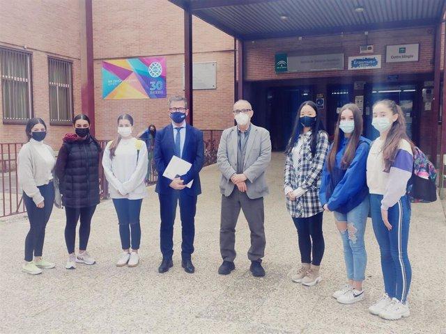 Visita de la Junta al instituto Zaidín Vergeles