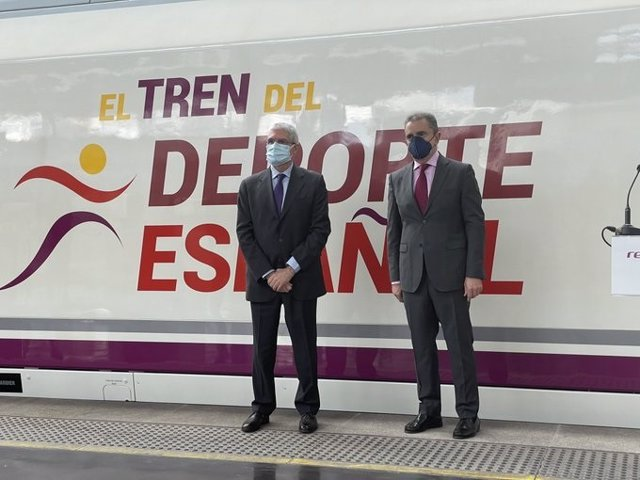 """El presidente del CSD Franco anuncia que los olímpicos españoles para Tokyo se vacunarán """"con absoluta seguridad""""."""