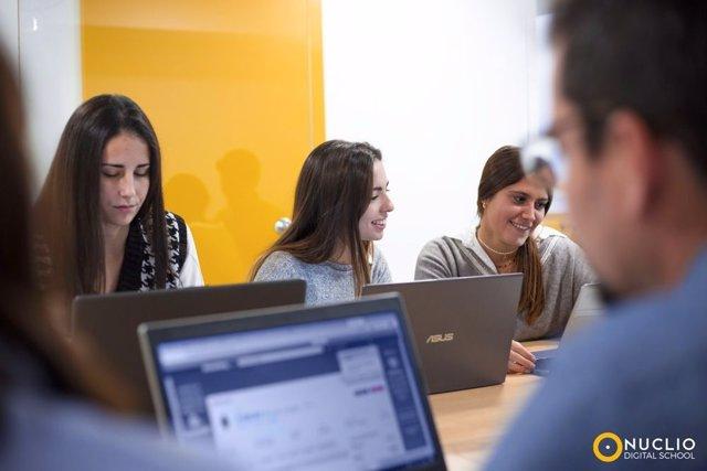 Alumnos de Nuclio Digital School