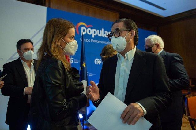 La portavoz adjunta del PP, Marga Prohens, durante la reunión con FICE.