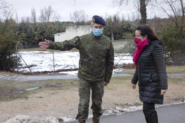 Archivo - Visita de la ministra de Defensa, Margarita Robles, a la Brigada de Sanidad