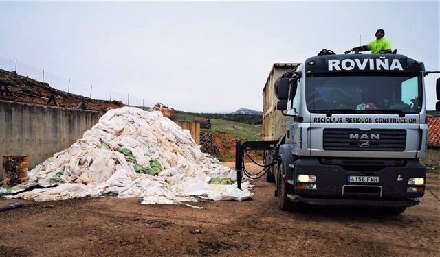 El Consorcio Provincial de Residuos de Palencia ha recogido 305 toneladas de residuos plásticos de uso agropecuario en los primeros nueve meses de funcionamiento