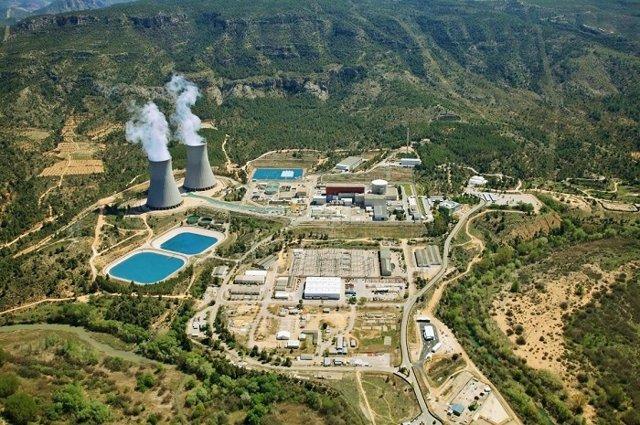 Vista aèria de la central nuclear de Cofrents (València).