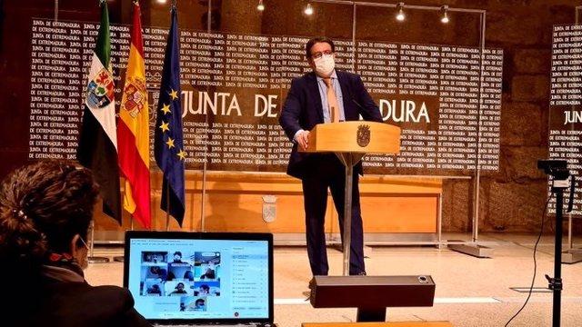El consejero de Sanidad, José María Vergeles, en rueda de prensa