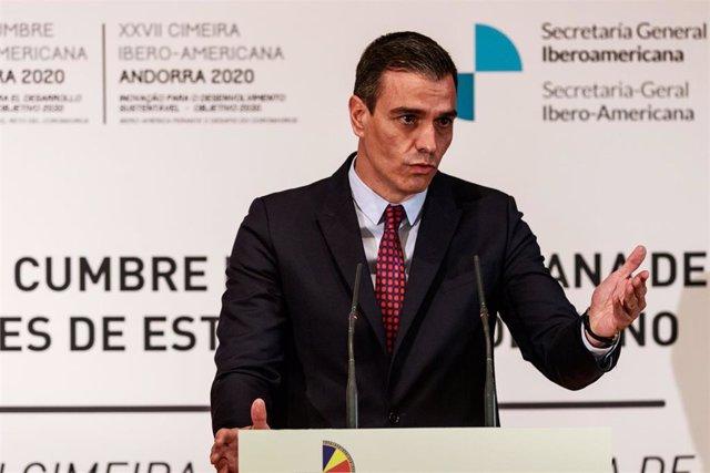 El presidente del Gobierno de España, Pedro Sánchez, comparece ante los medios de comunicación tras la celebración del pleno del XXVII Cumbre Iberoamericana de Jefes de Estado y de Gobierno, a 21 de abril de 2021, en Andorra la Vella (Andorra)