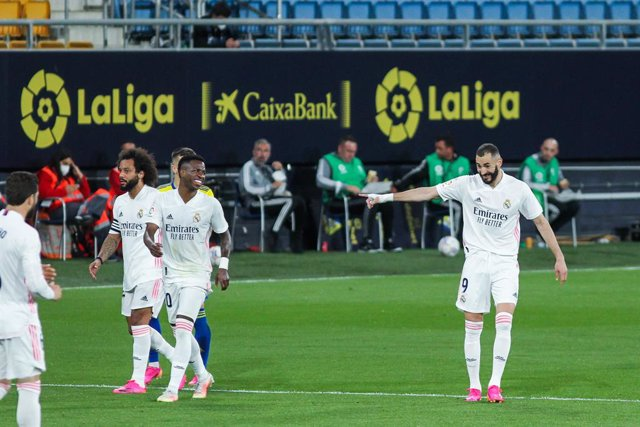 Karim Benzema of Real Madrid celebrates a goal during La Liga football match between Cadiz CF and Real Madrid CF at Ramon de Carranza stadium on April 21, 2021 in Cadiz, Spain.