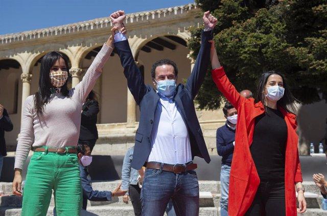 (I-D) La vicealcaldesa de Madrid, Begoña Villacís; el candidato de Ciudadanos (Cs), a la Presidencia de la Comunidad de Madrid, Edmundo Bal, y la presidenta de la formación, Inés Arrimadas..
