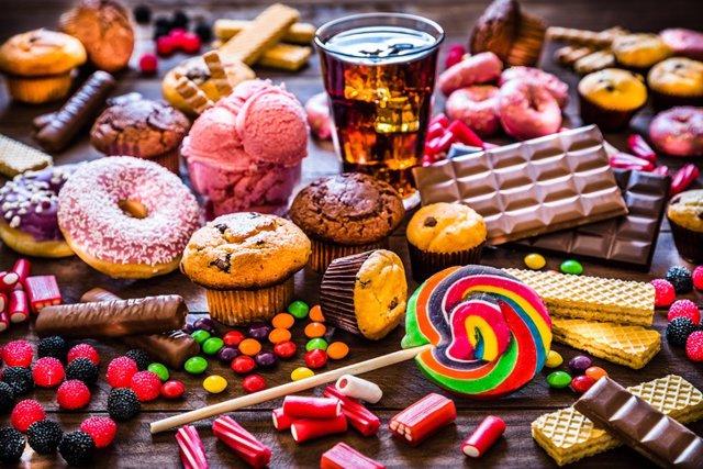 Archivo - Surtido de productos con alto nivel de azúcar.