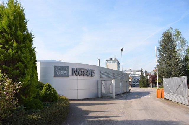 Archivo - Fábrica de Nestlé en La Penilla de Cayón (Cantabria).