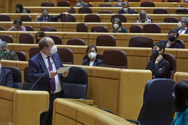 Archivo - El ministro de Política Territorial, Miquel Iceta interviene durante una sesión de control al Gobierno en el Senado, en Madrid (España), a 2 de febrero de 2021. Durante el pleno, el Ejecutivo se enfrenta esta vez a preguntas relacionadas con la