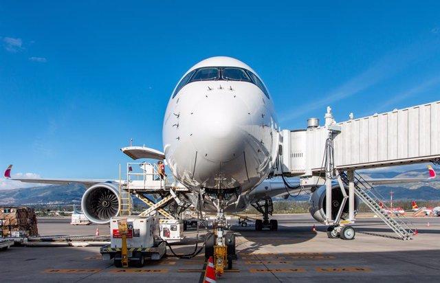 Archivo - Avión de Iberia A350