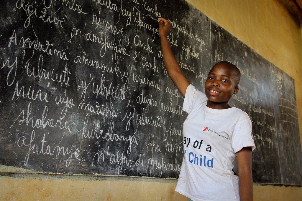 Tecnología para reducir el abandono escolar entre 6.000 niños refugiados en Tanzania