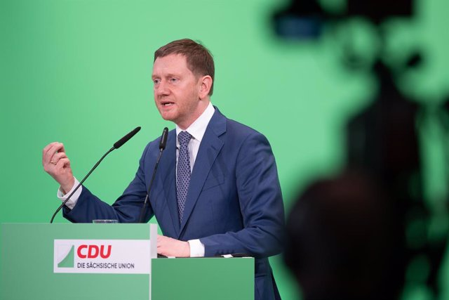 17 April 2021, Saxony, Dresden: Minister President of Saxony Michael Kretschmer speaks during the Christian Democratic Union of Germany (CDU) state party conference at the International Congress Center. The Saxon CDU wants to draw up its state list for th
