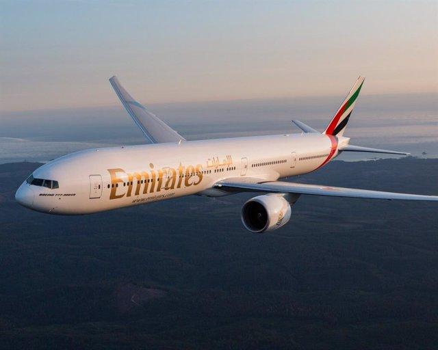 Archivo - Avión de Emirates