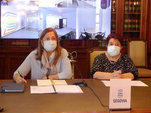 La concejal de Deportes, Marian Rueda (izquierda) y la alcaldesa de Segovia, Clara Luquero (derecha)
