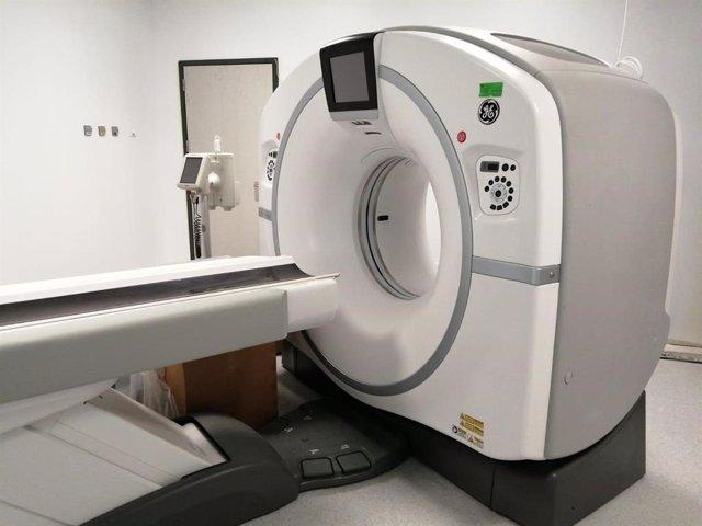 Archivo - Nuevo TAC en el Hospital de Antequera, que realizará 5.000 estudios anuales y que se suma al ya existente, aumentando la capacidad de diagnósticos