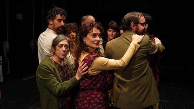 La compañía Teatro Resistente lleva su obra 'Los árboles. Un Chejov andaluz' al Teatro Alhambra de Granada