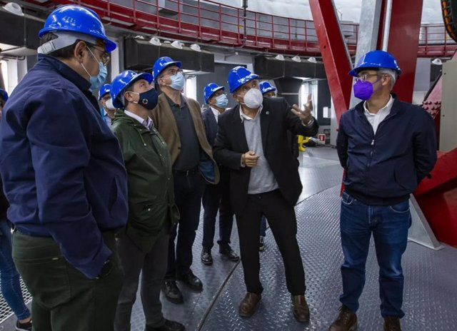 El presidente de Castilla-La Mancha, Emiliano García-Page, en su viaje a Canarias