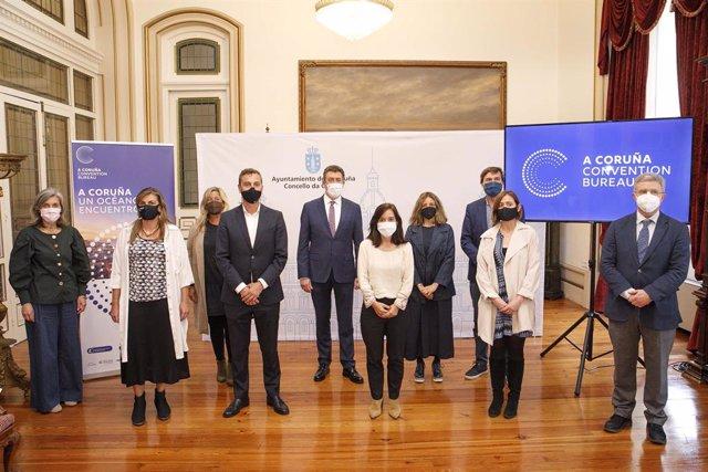 La alcaldesa de A Coruña, Inés Rey, preside la presentación de 'Convention Bureau'