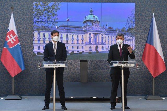 15 April 2021, Czech Republic, Prague: Czech Prime Minister Andrej Babis (R) and new Slovak Prime Minister Eduard Heger speak during a press conference after their meeting at the Kramar Villa. Photo: íhová Michaela/CTK/dpa