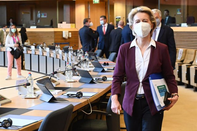 HANDOUT - 22 April 2021, Belgium, Brussels: European Commission President Ursula von der Leyen arrives for a commissioners meeting. Photo: Etienne Ansotte/European Commission/dpa - ATTENTION: editorial use only in connection with the latest coverage about