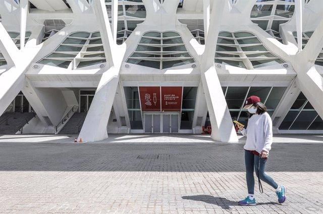 Punt de vacunació en la Ciutat de les Arts i les Ciències de València de cara a l'inici de la vacunació massiva