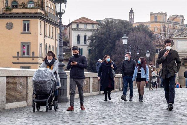 Archivo - Italia supera los 100.000 muertos por coronavirus