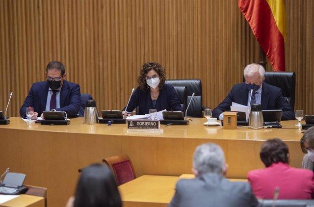 La ministra de Hacienda, María Jesús Montero comparece en la Comisión de Hacienda en el Congreso de los Diputados.