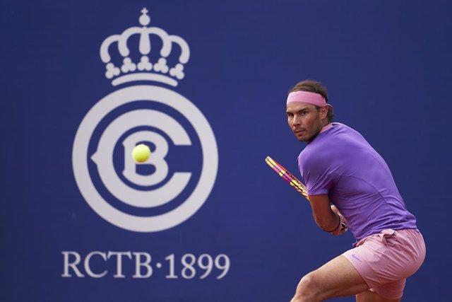 El tenista español Rafa Nadal, en un momento de su partido contra Kei Nishikori en el Barcelona Opena Banc Sabadell 2021