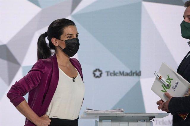 La candidata de Vox a la Presidencia de la Comunidad de Madrid, Rocío Monasterio, minutos antes del primer debate electoral previo a los comicios a la Asamblea de Madrid.